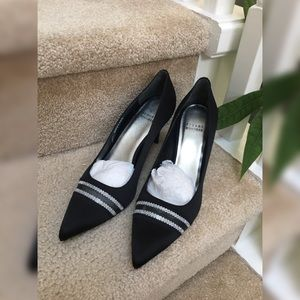 STUART WEIZTMAN Lyrics Black Satin Pumps 8.5 New